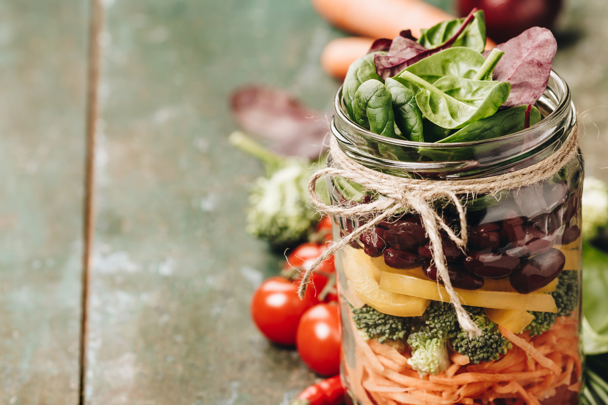 healthy homemade mason jar salad UKZ3PK811.jpg - Startseite